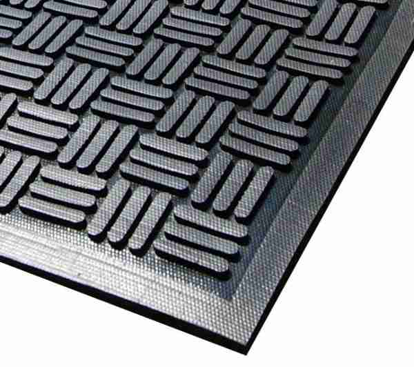 Close up of Access Approach Industrial Rubber door mat with checker plate pattern